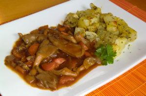 Chop Suey con gírgolas y patatas