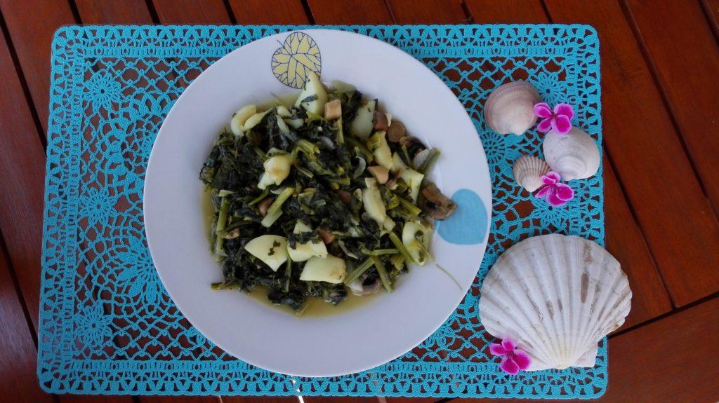 Espinacas con sepia y champiñones