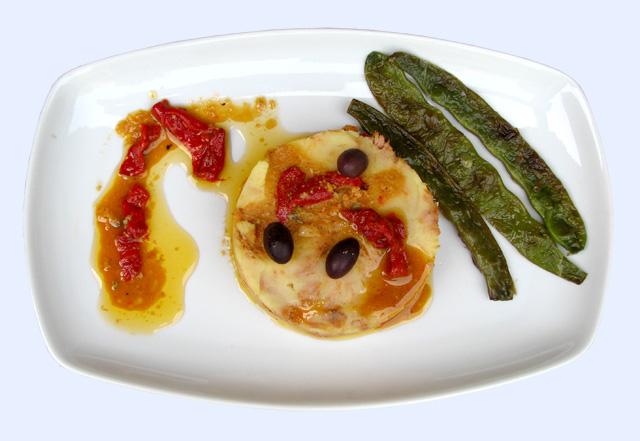 Pastel de patata y pimiento del piquillo