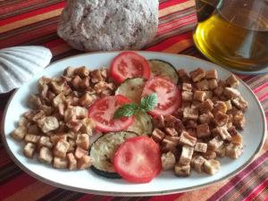 Tofu con berenjenas y calabacín
