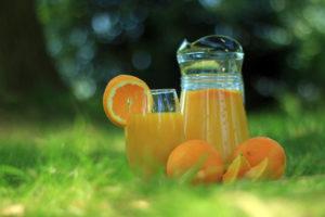Zumo natural y jugo de frutas: ¿cuál es la diferencia?